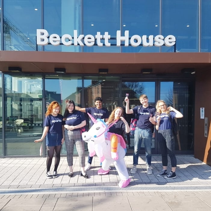 We're painting the town pink today! Come say hi if you see us, we've got bags of goodies to give away. Getting excited for our open day on Saturday 6th😍  #university #college #students #dreamteam #apartolife #sunshine #friday #fridayfeeling #dublin #ireland #apartofbecketthouse #apartofyourstory