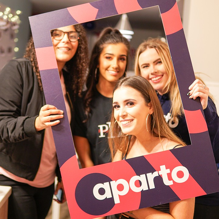 Not got your accommodation sorted? There's still time to join the aparto family and benefit from all the fun events we'll be putting on 😀🙌#apartofyourstory #studentaccommodation