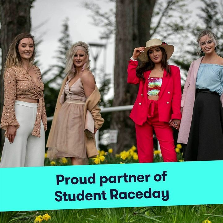 We are delighted to announce we are proud partner of the sell-out @officialspin1038 Student Raceday @leopardstownrc on 1st April. 📣🏇 .  Get ready to GO RACING! 🏇💃🏼🕺🏡 🎉 .  Read all about it here http://bit.ly/2Tk74dG  #apartofyourstory #apartofdublin #studentaccommodation #LCRStudentDay #leopardstownrc #spin1038